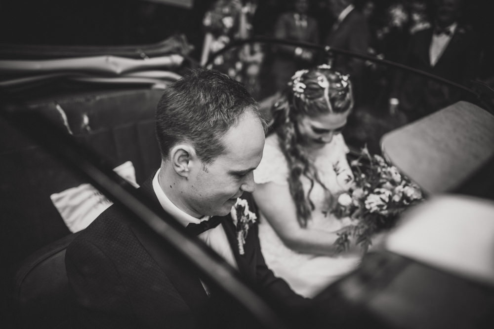 bride and groom in Morris Minor