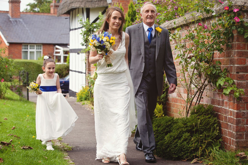 bride and father arriving at Church
