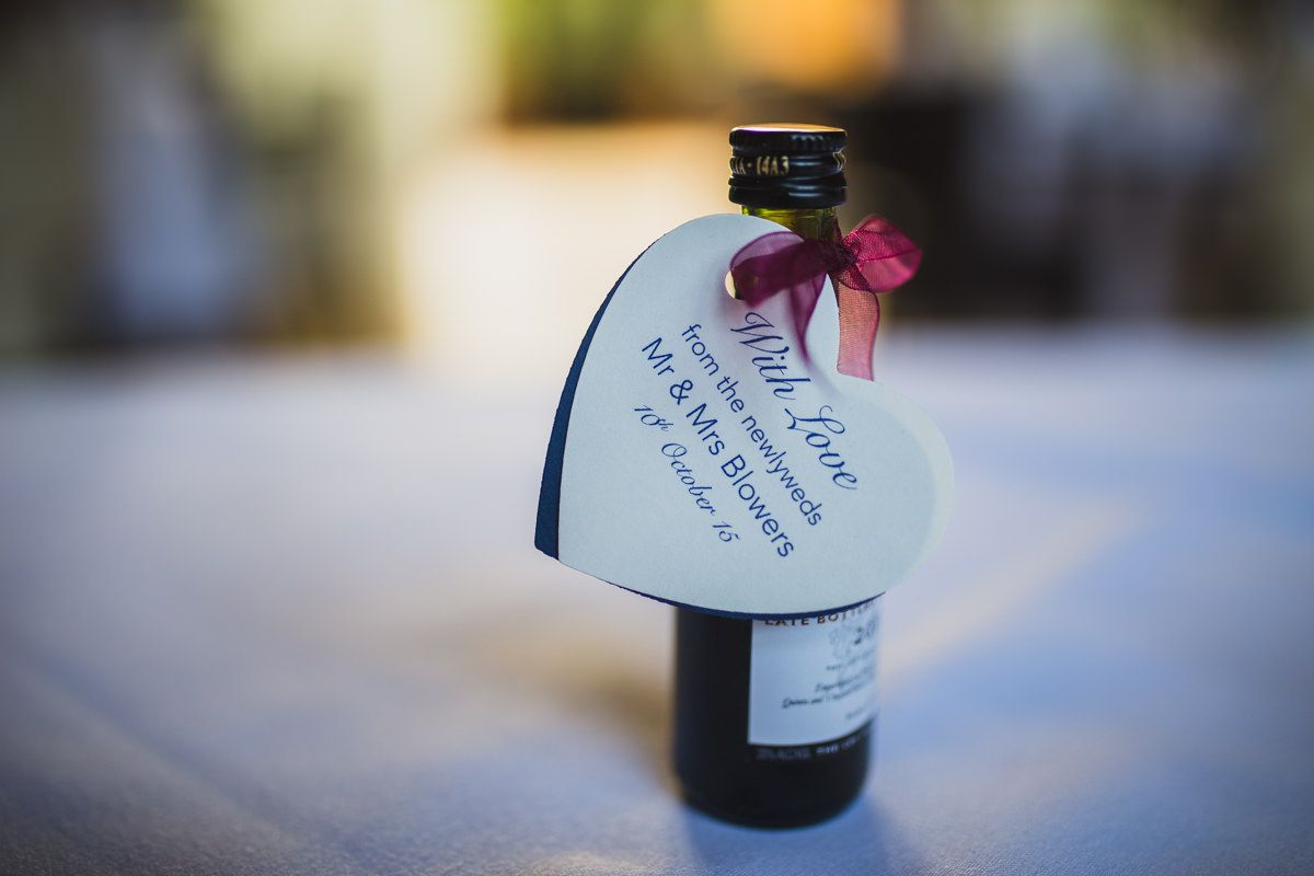 miniture wine bottle favour
